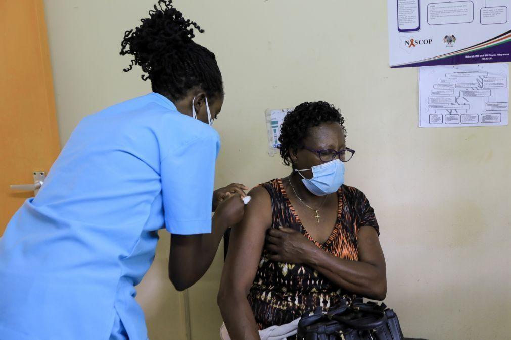 Covid-19: Números de vacinação em África são