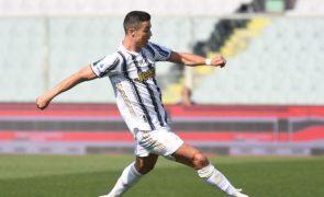 Ronaldo 'centenário' pela Juventus e luta pela 'Champions' continua em aberto