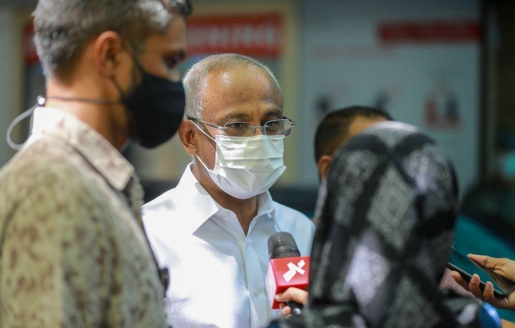 Ex-presidente das Maldivas vítima de atentado foi transferido para a Alemanha