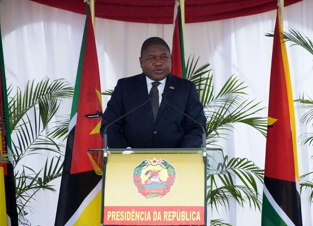 Presidente moçambicano diz que país não conseguirá sozinho