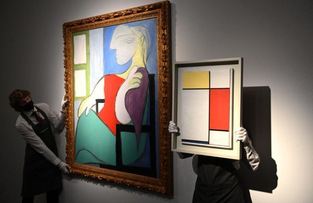 """Obra de Picasso """"Mulher sentada junto a uma janela"""" vendida por 85 milhões de euros"""