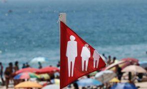 Covid-19: PR promulga diploma sobre acesso às praias mas alerta para novo regime sancionatório