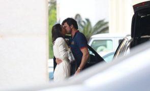 Gio Rodrigues Exclusivo: Estilista tem novo amor. Veja as imagens do beijo apaixonado