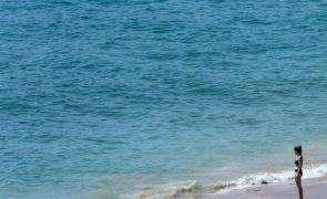 Época balnear entre sábado e 15 de outubro com coimas entre 50 e 1.000 euros - Governo
