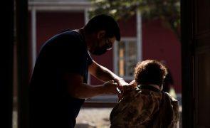 Covid-19: Chile próximo de metade da população vacinada