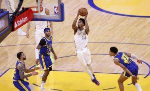 Dallas Mavericks qualificam-se para 'play-offs' da NBA