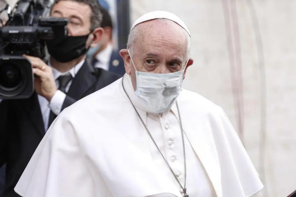 Papa diz que abuso infantil é uma espécie de