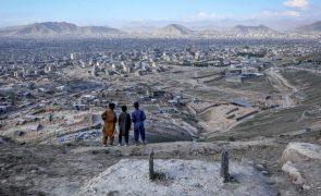 Combates recomeçam no sul do Afeganistão após fim do cessar-fogo