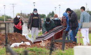 Covid-19: Pelo menos 3,37 milhões de mortos no mundo,11.923 nas últimas 24 horas
