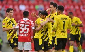 Raphaël Guerreiro marca e Borussia Dortmund confirma Liga dos Campeões