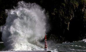 Expedição científica iMar vai estar 17 dias a estudar o mar profundo dos Açores