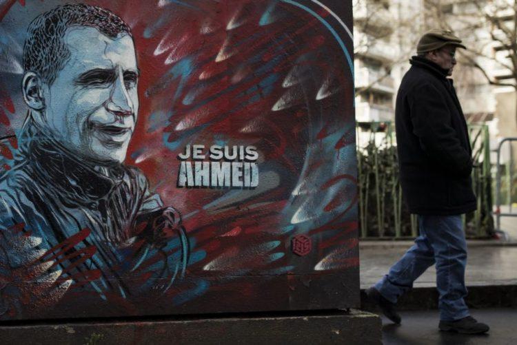 Charlie Hebdo continua a combater