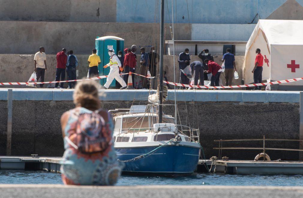 Cidadãos marroquinos forçam entrada em Ceuta pelas praias