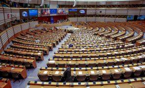 Parlamento Europeu dá 'luz verde' a novo programa Erasmus+ de 28 mil ME até 2027