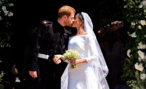 Meghan e Harry Casaram-se há 3 anos. Os altos e baixos da relação e as fotos da cerimónia
