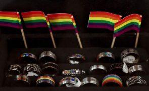Dois em cada três jovens homossexuais sofrem algum tipo de discriminação na escola