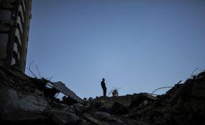 Israel volta a bombardear Gaza durante a madrugada