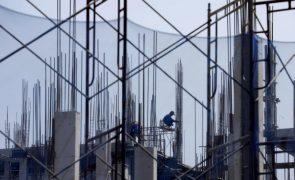 Produção na construção recupera na zona euro e UE após 7 meses de recuos