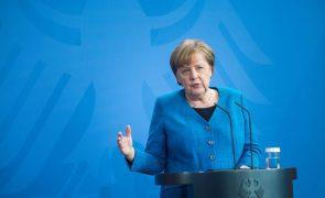 Médio Oriente: Merkel diz-se favorável a