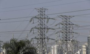 Congresso do Brasil aprova lei que abre caminho para a privatização da Eletrobras