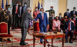 PM de Cabo Verde toma posse apontando emprego e combate à pobreza como prioridades