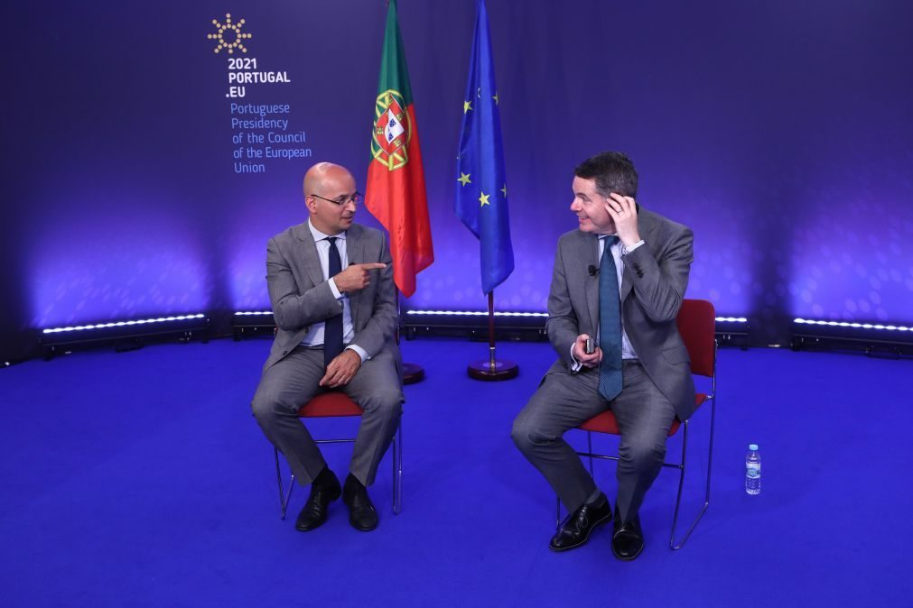 Covid-19: Ministro das Finanças rejeita