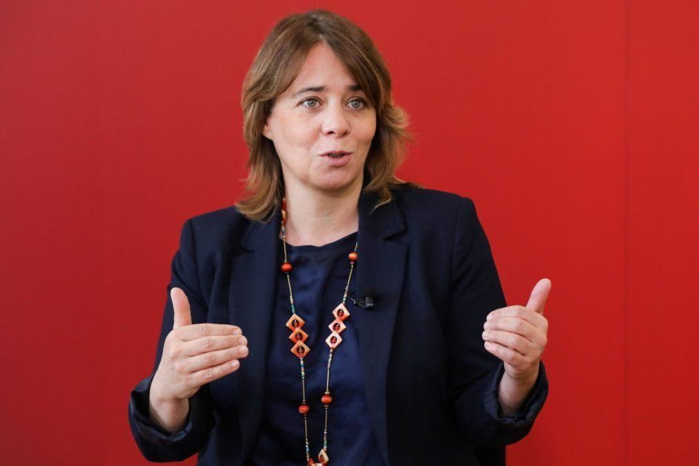 Catarina Martins acusa Rio de colagem