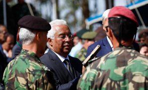 Costa hoje com os chefes militares após aprovação de propostas de reforma da Defesa