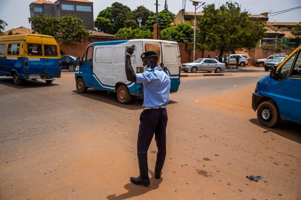 Unicef doa bicicletas para ajudar a incentivar raparigas guineenses a irem à escola