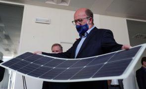 Ministro do Ambiente considera lítio