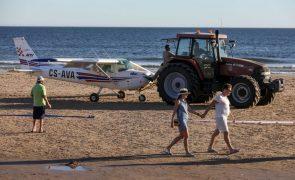 Tribunal leva piloto que aterrou na Caparica a julgamento mas aponta falhas à investigação