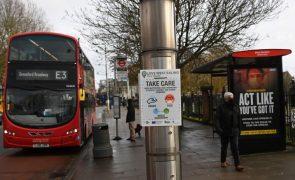 Covid-19: Reino Unido intensifica testes após aumento de contágios