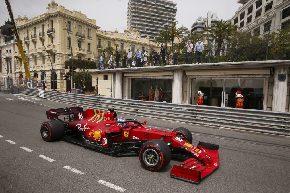 Charles Leclerc conquista 'pole' em casa para Grande Prémio do Mónaco