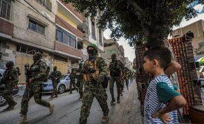 Membros do Hamas desfilam em Gaza e líder aparece pela primeira vez