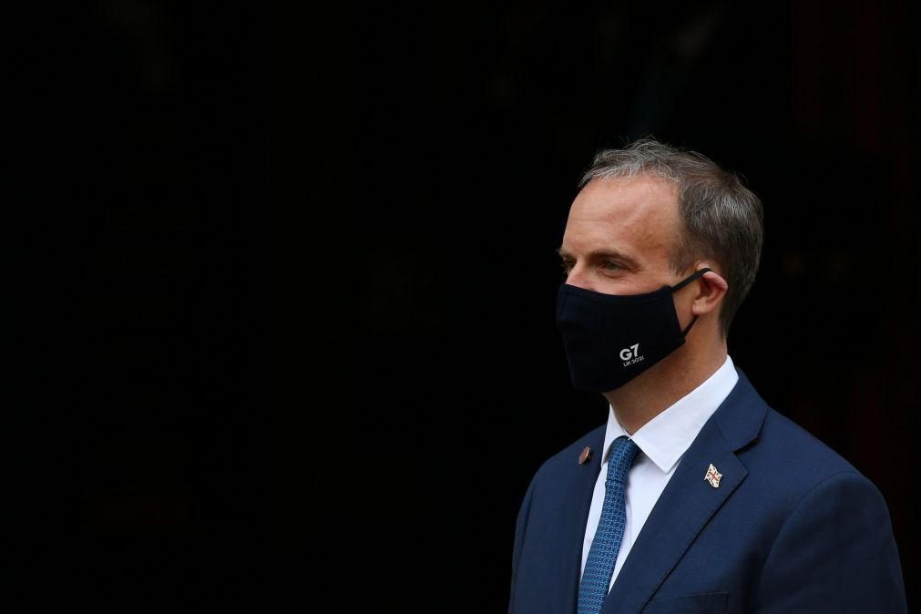 Ministro britânico alerta para «graves consequências» por desvio de avião