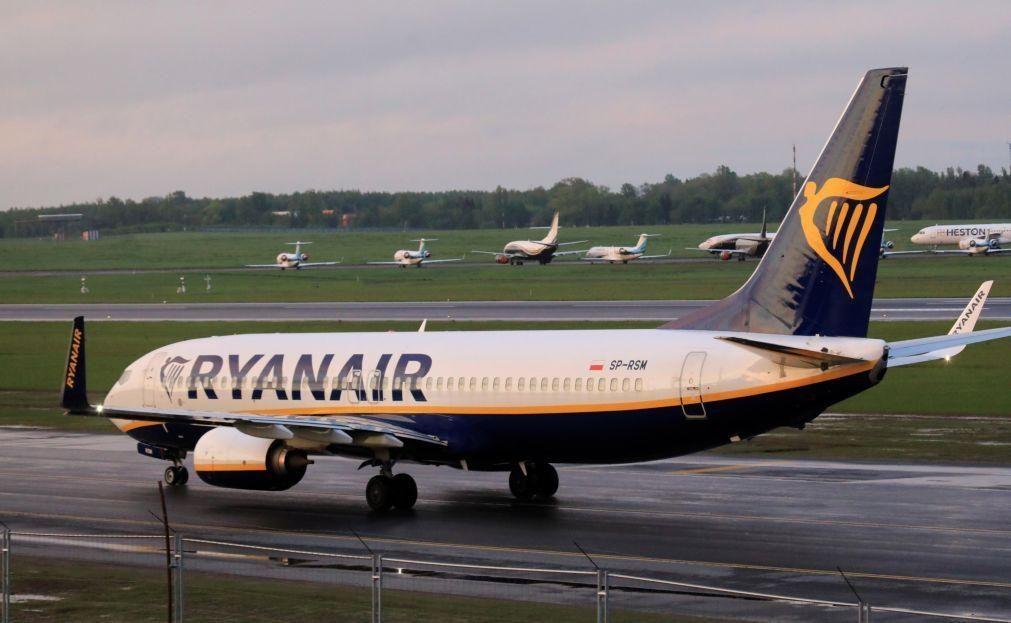 Tripulação da Ryanair recebeu aviso de ameaça a bordo de avião desviado para Minsk