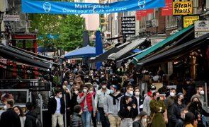 Covid-19: Incidência e novos continuam a cair na Alemanha