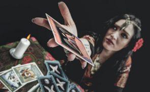 'Bruxa' ameaça mulher com feitiços de amor: «Ponho-te entrevada numa cama»