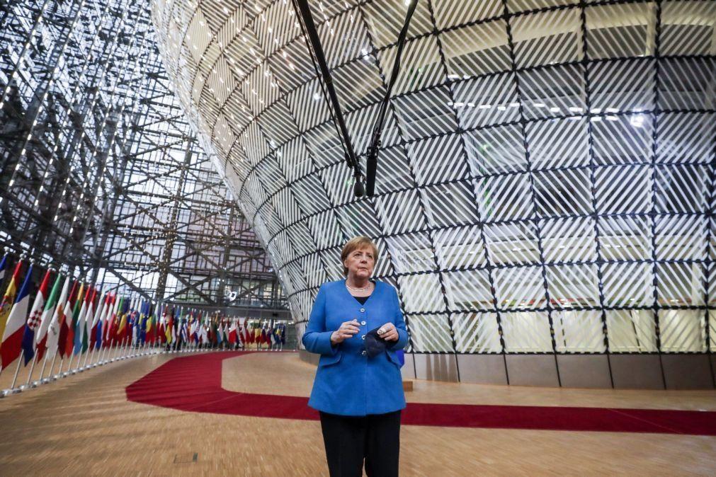 Merkel acha explicações bielorrussas para sequestro de voo