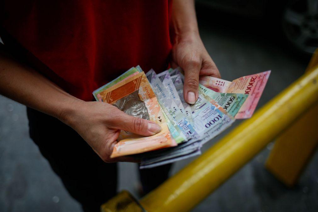 Populares saqueiam lojas na Venezuela em protesto por recusa de notas de baixo valor