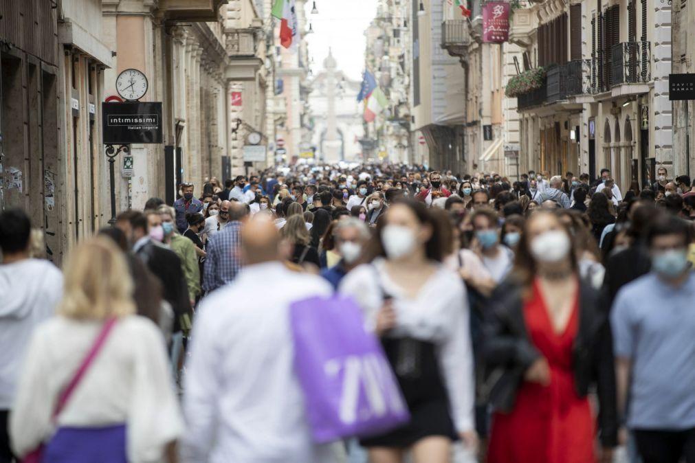 Covid-19: Itália regista 3.244 novos casos e supera 31 milhões de vacinas administradas