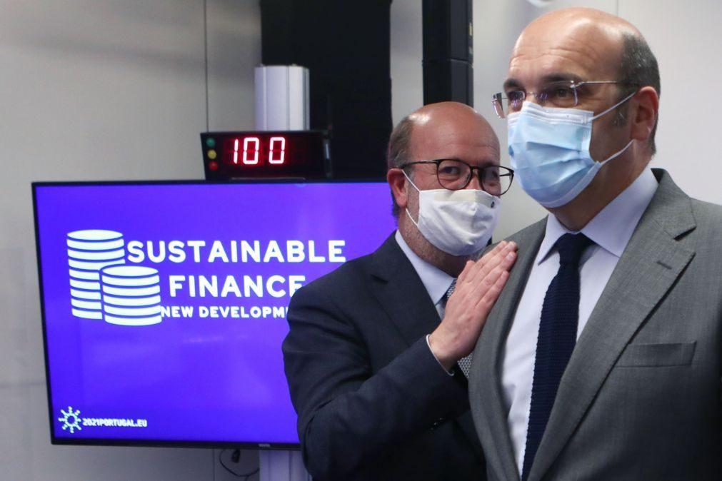 UE/Presidência: Descarbonização e capacidade competitiva da economia têm de andar a par - ministro