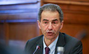 Covid-19: Governo vai atribuir bolsas de investigação científica extraordinárias