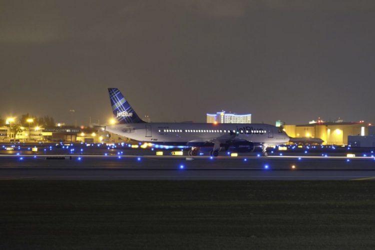Aeroporto da Florida reaberto após tiroteio que matou cinco pessoas
