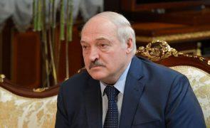 Lukashenko diz que estrangeiros passaram