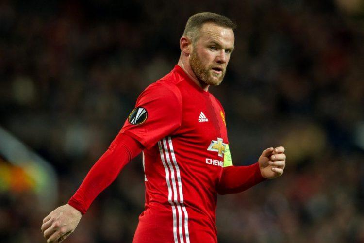 Manchester United goleia Reading num jogo em que Rooney fez história