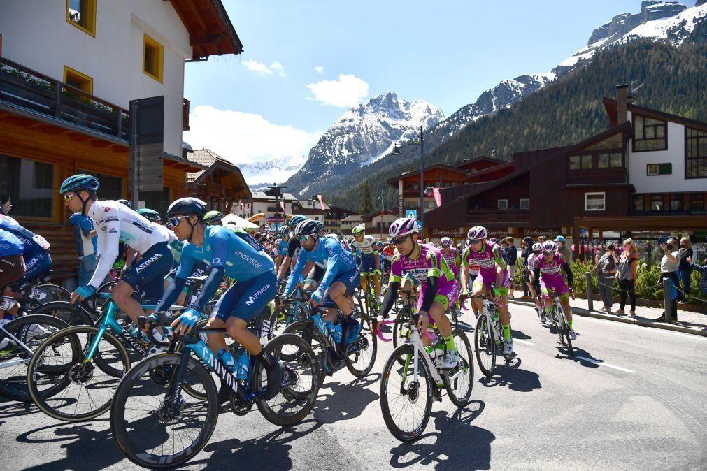 Giro: João Almeida em segundo lugar na 17.ª etapa, ganha por Dan Martin