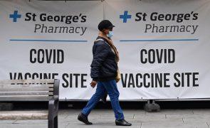 Covid-19: Reino Unido regista nove mortes e alarga vacinas a maiores de 30 anos