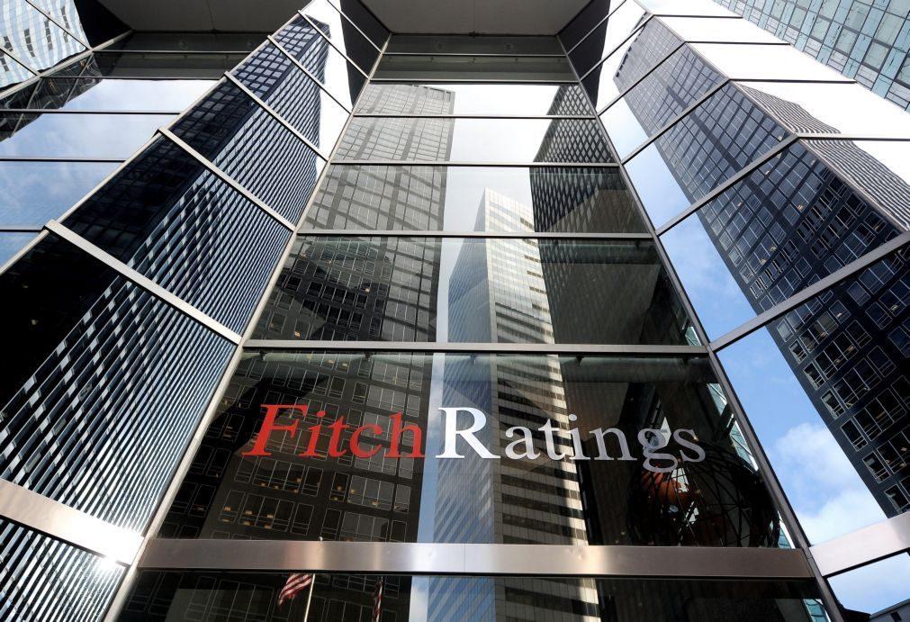 Fitch atenta à dívida pública e à banca para subir 'rating' a Portugal