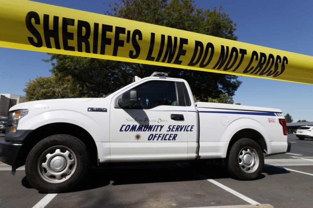 Nove mortos em tiroteio numa cidade da Califórnia